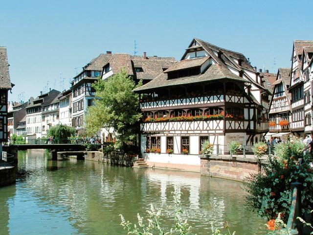 Restaurants maison des tanneurs for your team building in
